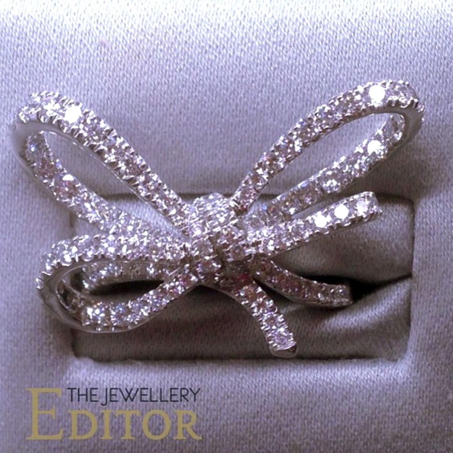 Lyla s Bow diamond ring in white gold VANLELES