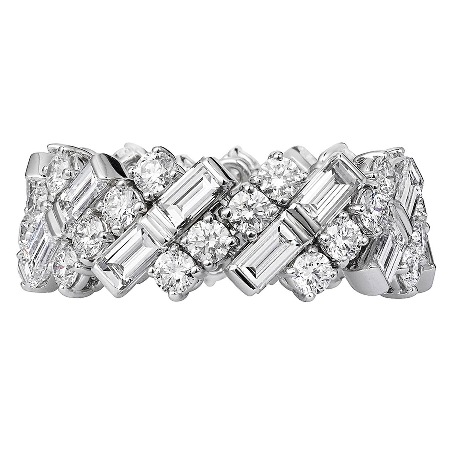 creative collection wedding band in white gold and diamonds